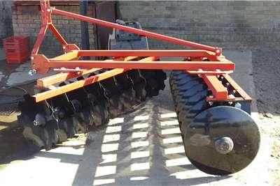 Disc harrows New mounted offset disc harrows Tillage equipment