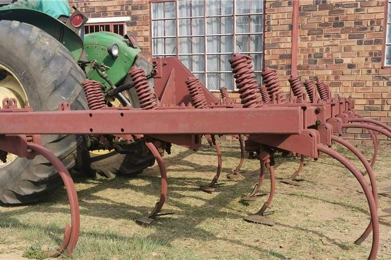 Harrows Vetsak Beitelploeg Tillage equipment