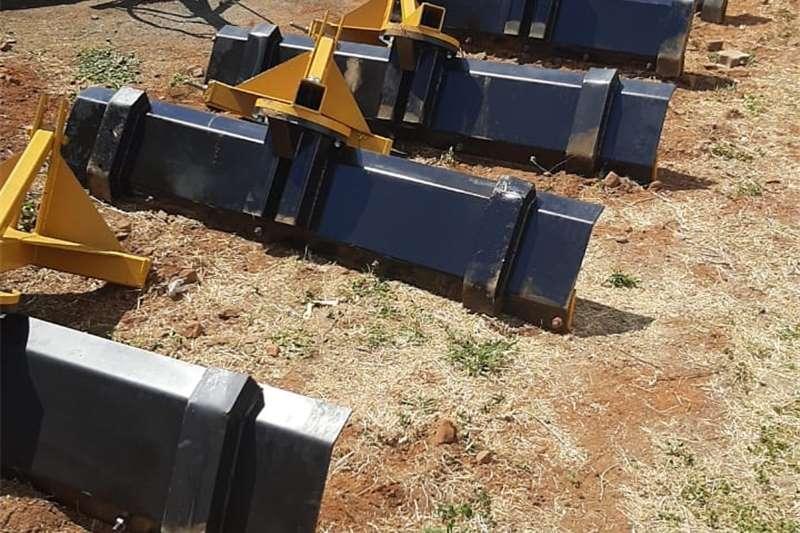 Ploughs 1.5 M SKRAPERS 1.7 M EN 2M SKRAPERS Tillage equipment