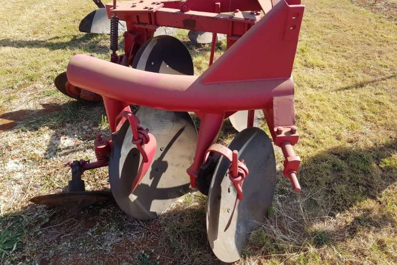 Tillage equipment Ploughs 2 furrow disc plough pype