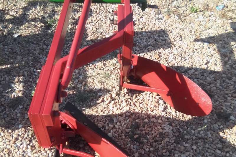 Ploughs 2 Shear plough , 2 Skaar ploeg Tillage equipment