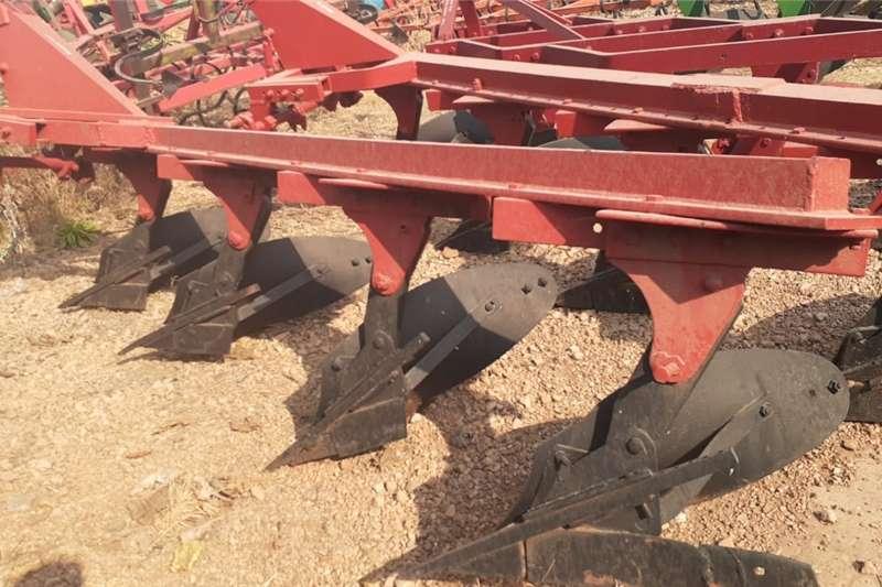 Ploughs 3 Skaar Balk Ploeg / Furrow Plough Tillage equipment