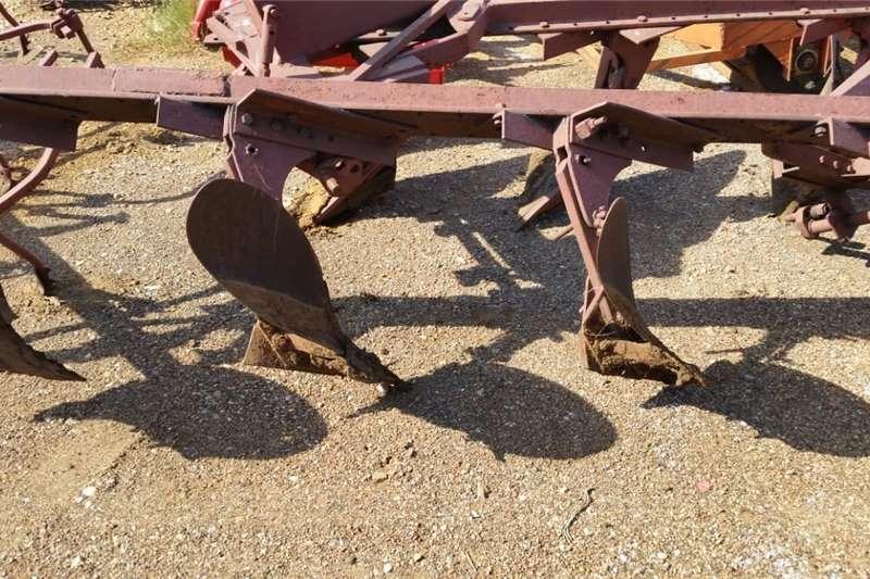Ploughs 4 Skaar Balk Ploeg / Plough Tillage equipment