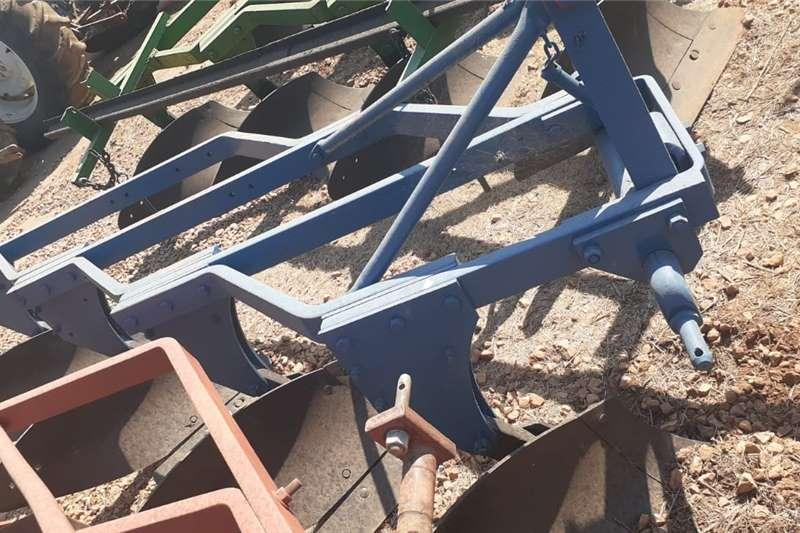 Ploughs 4 Skaar Raam Ploeg Tillage equipment