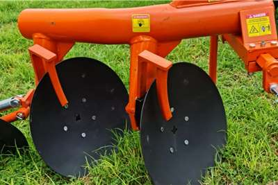Ploughs Brand new Fieldking 2 disc ploughs Tillage equipment