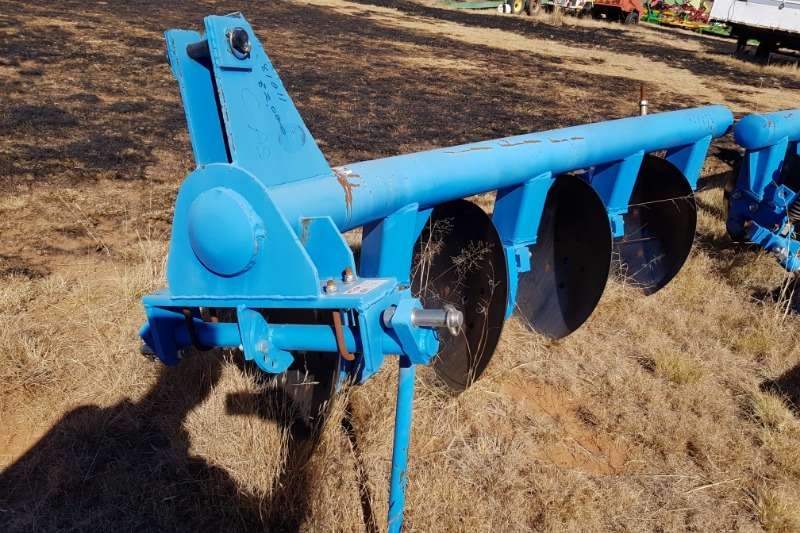 Ploughs New 2,3,4 disc ploughs from R20 000 Tillage equipment