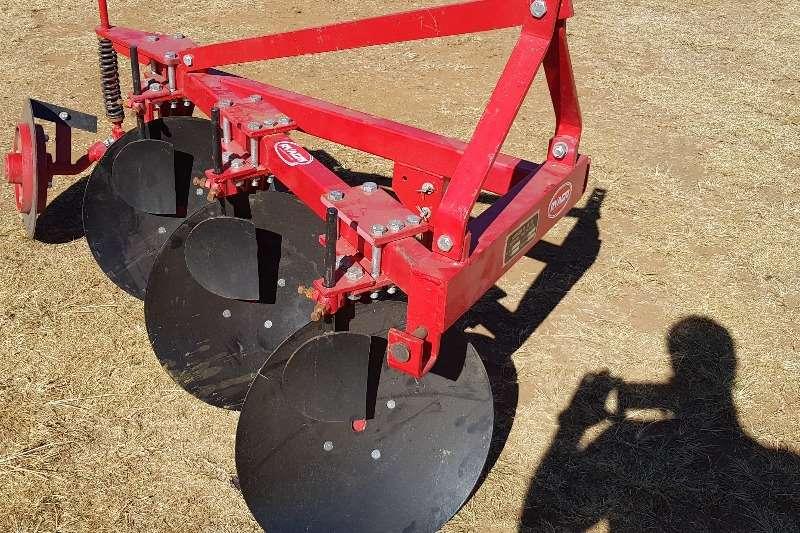 Ploughs New 3 furrow light duty disc plough Tillage equipment