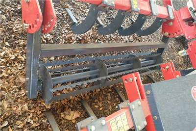 Ploughs New 9 Tine Chisel Plough + roller Tillage equipment
