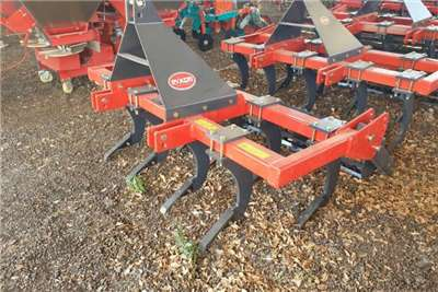 Ploughs New 9 Tine Chisel Plough + roller Tillage equipment