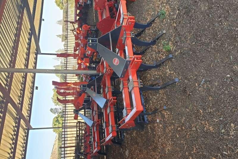 Tillage equipment Ploughs New 9 Tine Chisel Plough + roller 2019