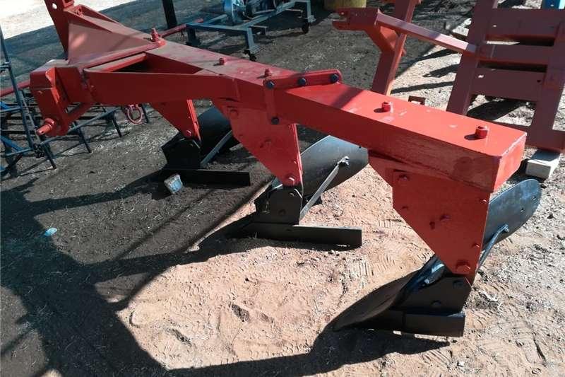 Ploughs plough 3 furrow Tillage equipment