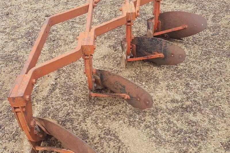 Ploughs Raam ploeg te koop Tillage equipment