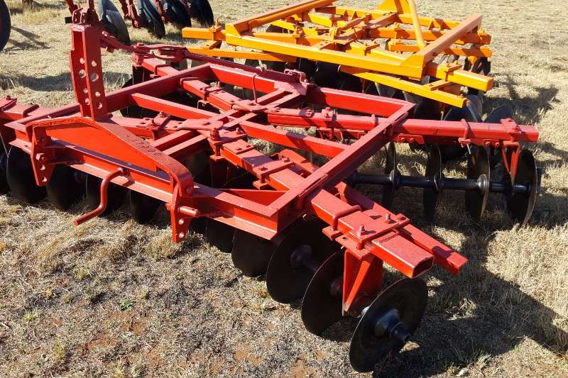 Tillage equipment Ploughs red lift disc harrow