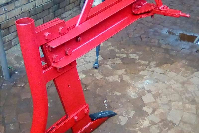 Tillage equipment Rippers Massey Ferguson Ripper , Pipe , Cable layer