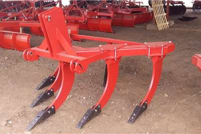 Rippers New 5 tine v frame rippers Tillage equipment