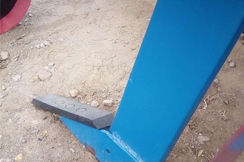 Subsoilers Ripper 1 tine / Een tand ripper Tillage equipment