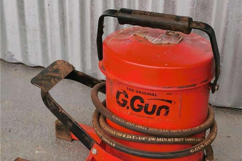 Tools and equipment Petrol breaker Grease Pump