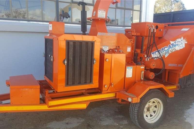 2WD tractors 250 AFE wood chipper Tractors