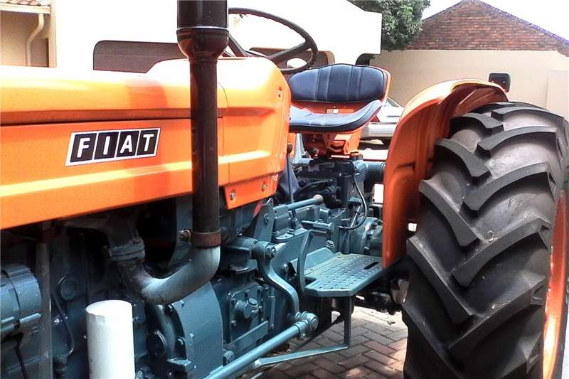 2WD tractors Agricultural Equipment's and the tractor Tractors