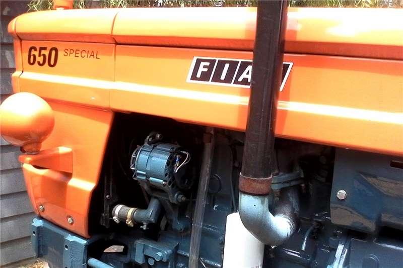 2WD tractors Agricultural Equipments Tractors