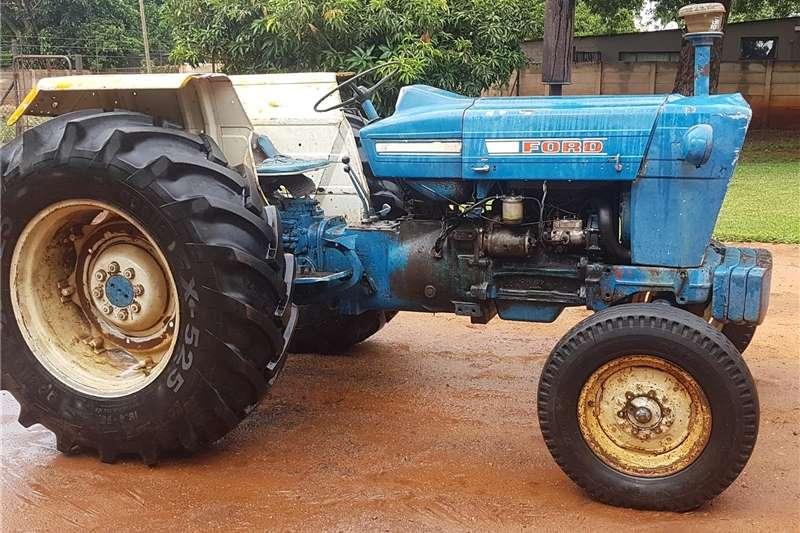 Tractors 2WD tractors Ford 4000