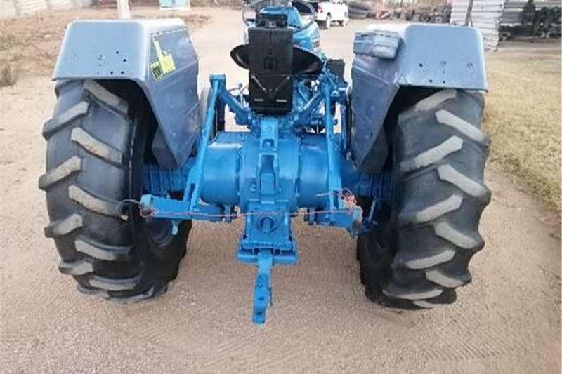2WD tractors Ford 4110 Tractors
