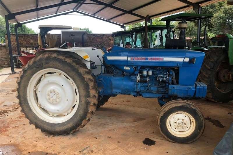 2WD tractors Ford 5000 4X2 Tractors