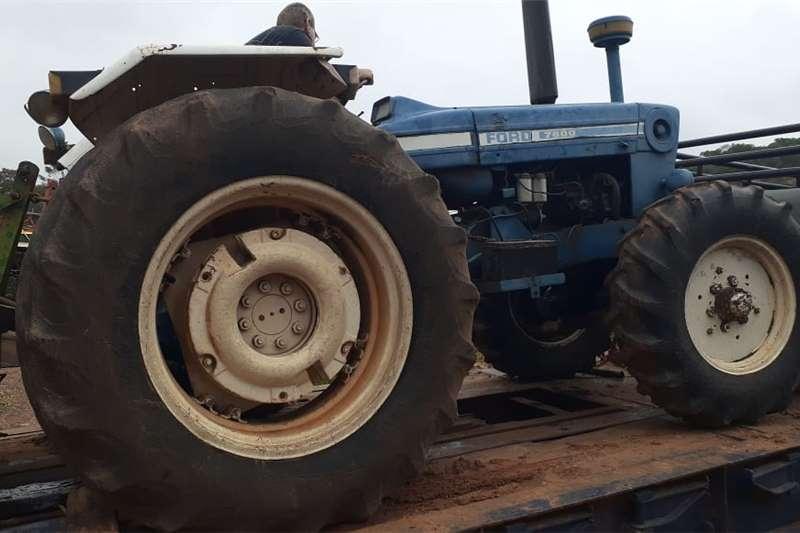 2WD tractors Ford 7600       2x4 Tractors