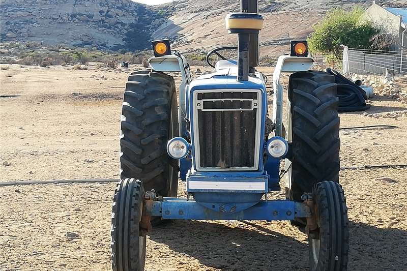 Tractors 2WD tractors Ford 7600 Tractor for sale