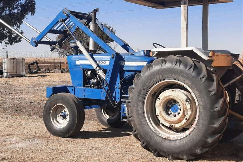 2WD tractors Ford 7600 Tractor for sale Tractors