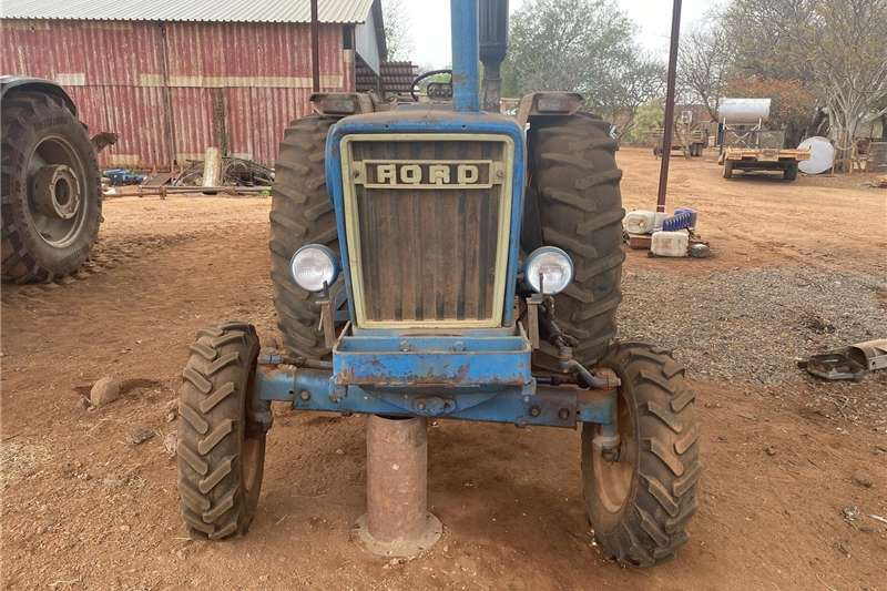 2WD tractors Ford 7600 tractor Tractors