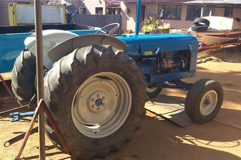 2WD tractors Fordson Super Major Tractors