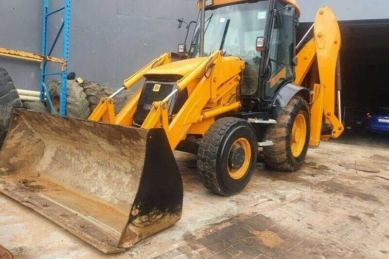 2WD tractors Jcb 3cx referbished engine for sale Tractors