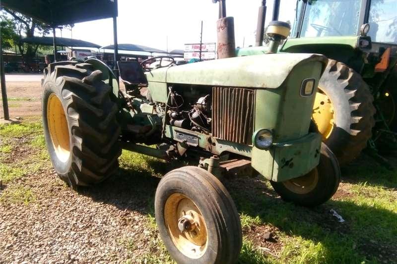 2WD tractors John Deere 2120 4X2 Tractors