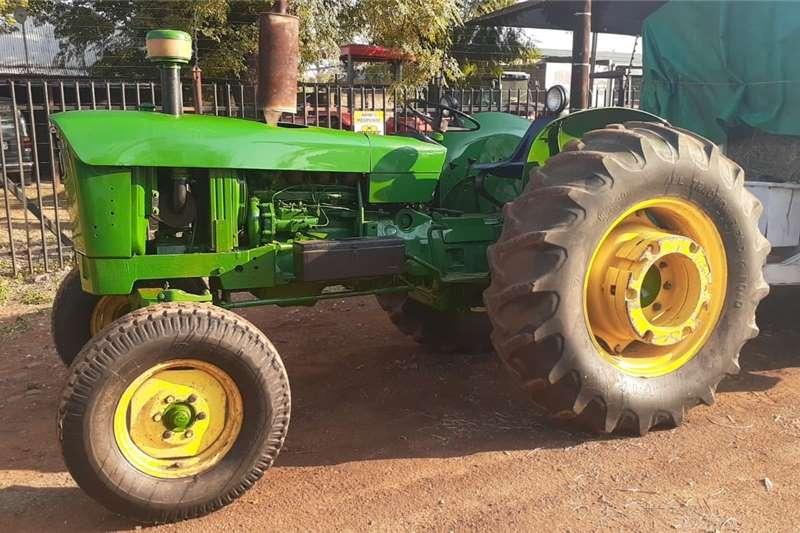 2WD tractors John Deere 2130 2x4 Tractors