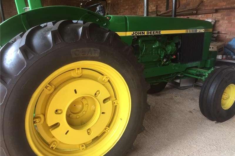 2WD tractors John Deere 3140 Tractors