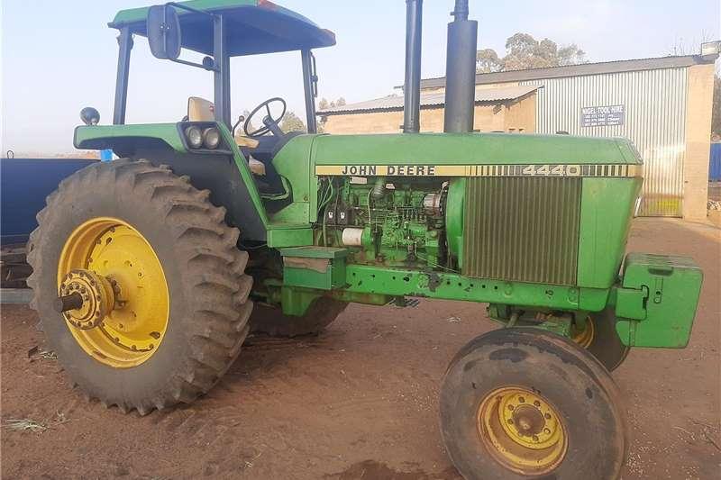 2WD tractors John Deere 4440 Tractors