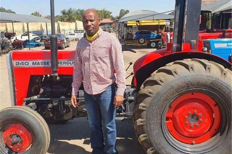 2WD tractors Massey Ferguson 240 Tractor Tractors