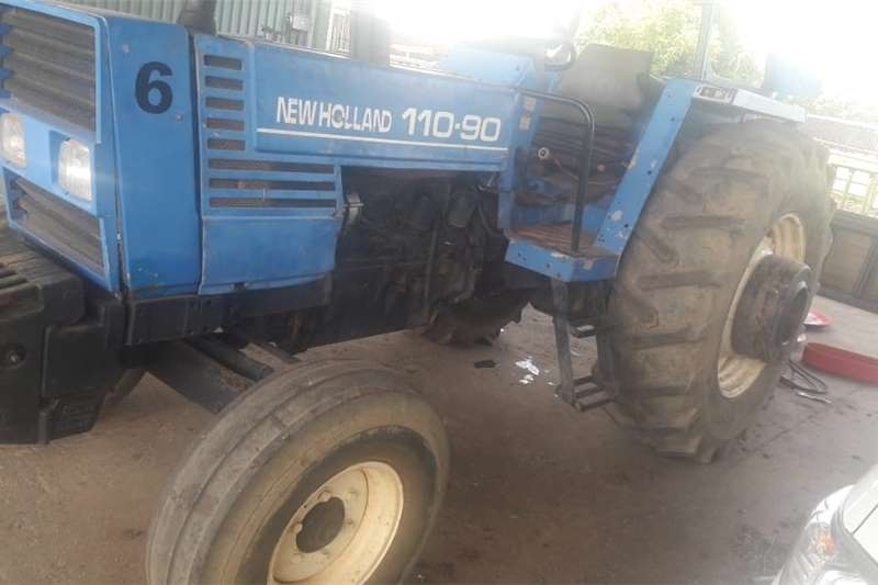 2WD tractors New Holland 100 90 4x2. Tractor in good condition. Tractors