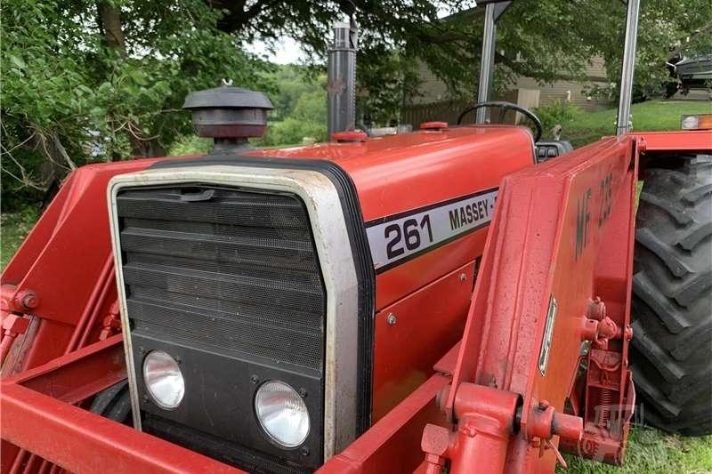 2WD tractors Used 261 MF Tractors