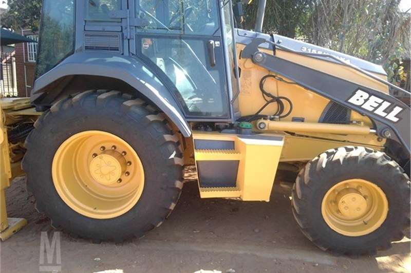 4WD tractors Bell 315SJ 4WD TLB TRACTOR with all Records Availa Tractors
