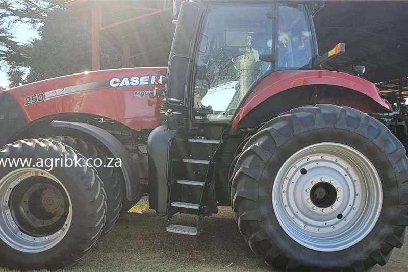 4WD tractors Case IH Magnum 250 Tractors