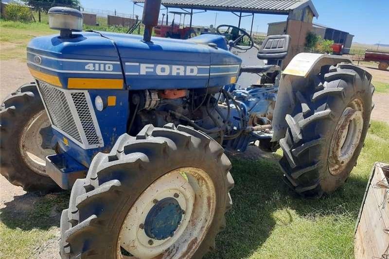 4WD tractors Ford 4110 4x4 Oopstasie Trekker. Tractors