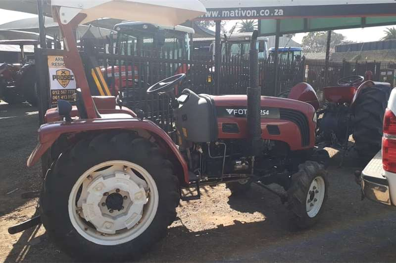 4WD tractors FOTON 254 18kW/24Hp 4x4 Pre Owned Tractor Tractors