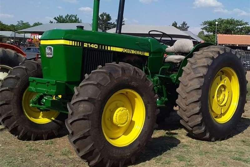4WD tractors John Deere 2140 4wd Tractors
