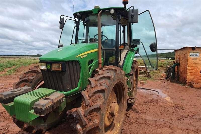 4WD tractors John Deere 5090 EH Tractors