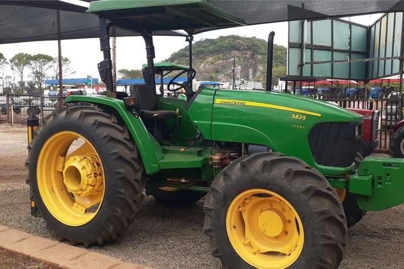 4WD tractors John Deere 5625 4x4 Tractors