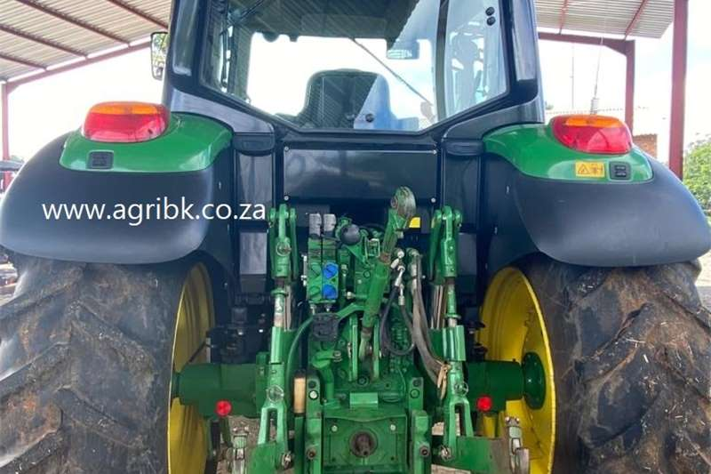 4WD tractors John Deere 6105 M Tractors