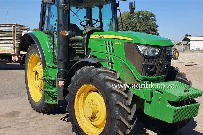 4WD tractors John Deere 6110 M Tractors
