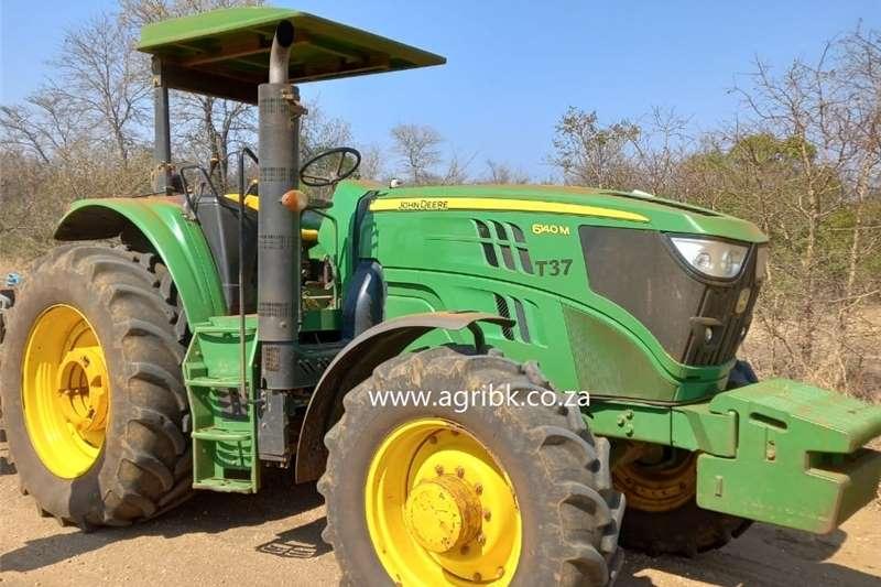 4WD tractors John Deere 6140 M Tractors